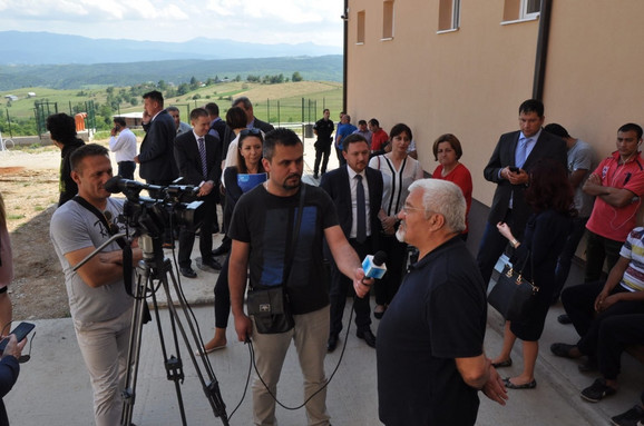 Delegacija Evropske unije u poseti Centru za azil u Tutinu