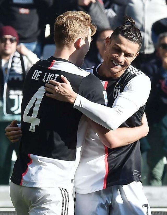 Kristijano Ronaldo i MatIjas de Liht