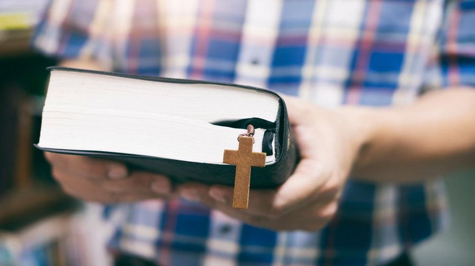 Ile kosztują lekcje religii