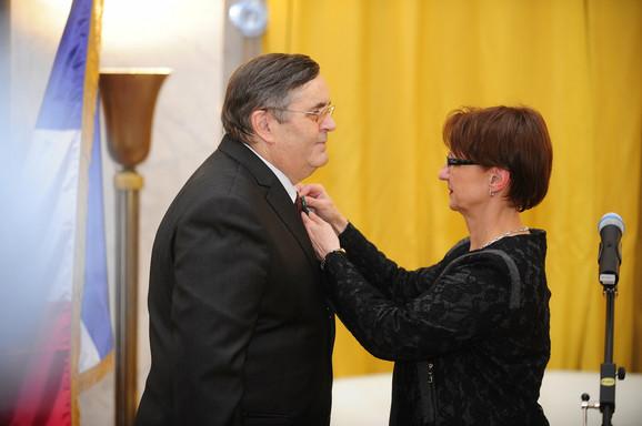 Radoslav Zelenović prima orden