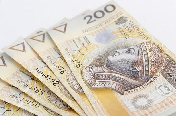 Pod koniec marca szef Polskiego Funduszu Rozwoju Paweł Borys poinformował, że gotowy jest komplet projektów ustaw dot. zmian w systemie OFE oraz pracowniczych planów kapitałowych. Wyraził nadzieję, że w kwietniu trafią one na ścieżkę legislacyjną. Zgodnie z pierwotnym planem przekształcenie OFE miałoby nastąpić od stycznia 2018 roku.