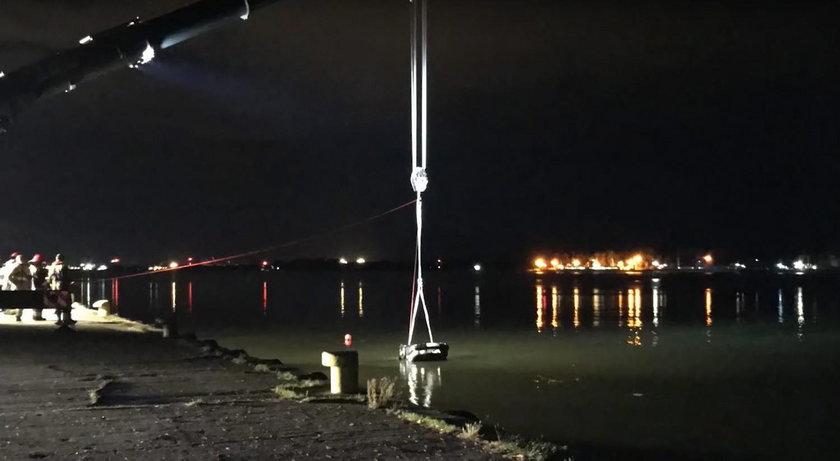 Świnoujście: Samochód wpadł do wody. Zginęli nastolatkowie