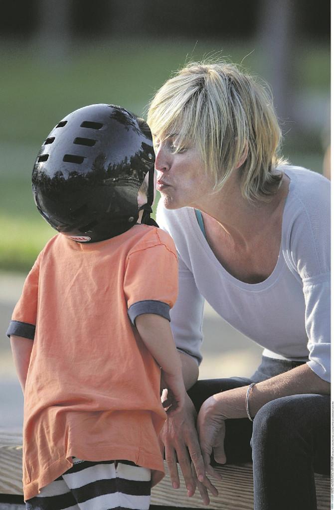 Šeron Stoun sa sinom