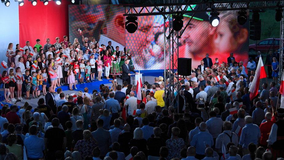 Wieczór wyborczy w sztabie Andrzeja Dudy po I turze wyborów