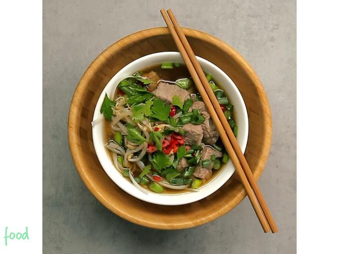 Vijetnamska supa Fo: BOGATO i EGZOTIČNO jelo na kašiku koje će se SVIMA SVIDETI!