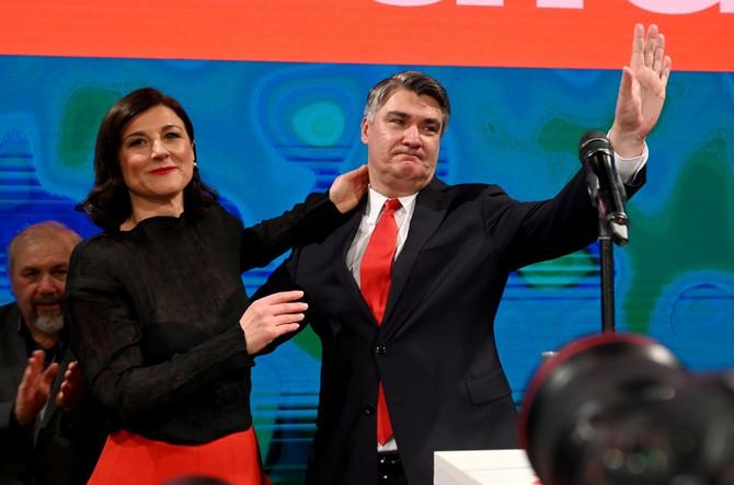 Zoran Milanović sa suprugom slavi pobedu