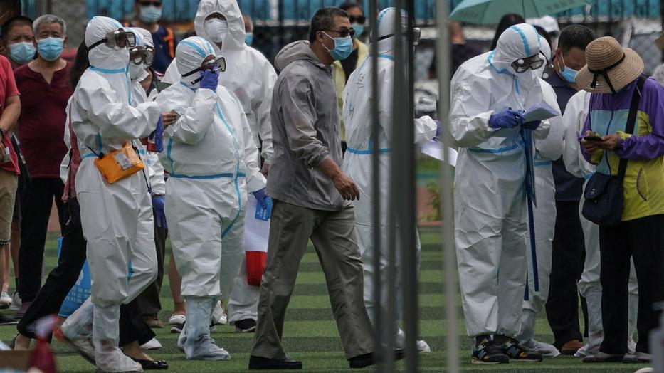 Pekingben újra járványellenes intézkedéseket vezettek be és a gyors reagálás működött. / Fotó: MTI/EPA