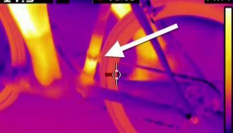TEHNOLOŠKI DOPING Vozio bicikl uzbrdo 50 kilometara na sat, termo-kamere pronašle skriveni motor