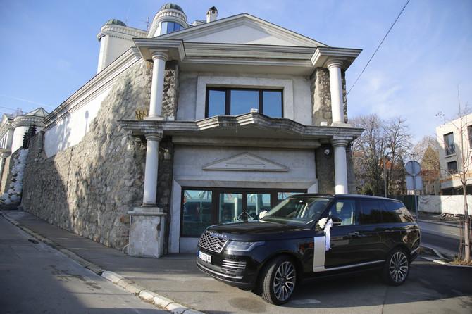Okićen porodični dom Svetlane Cece Ražnatović