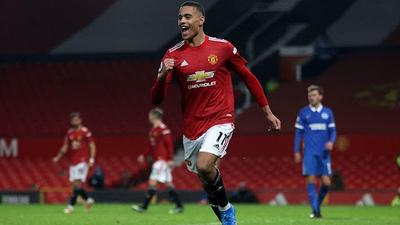 Greenwood: Manchester United teenager reacts to van Persie comparison, reveals stronger foot