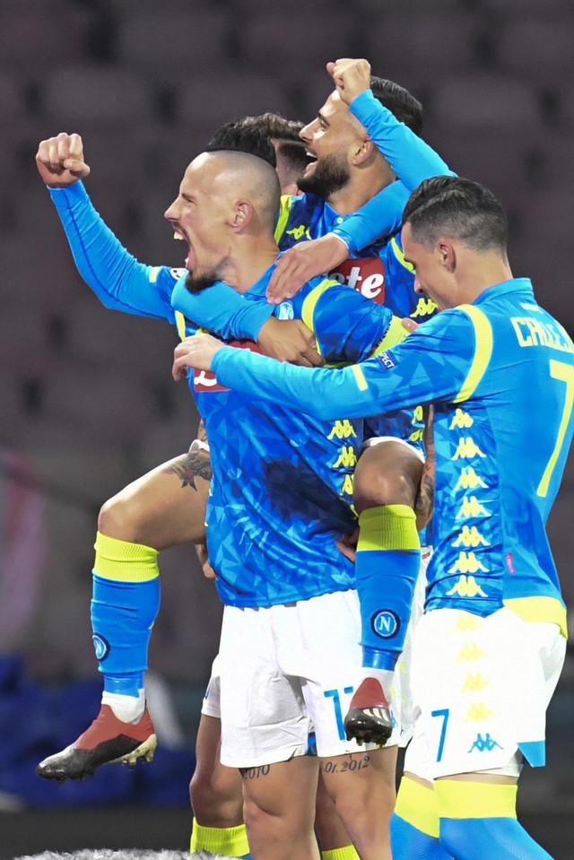 Fudbaleri Napolija slave prvi pogodak protiv Crvene zvezde