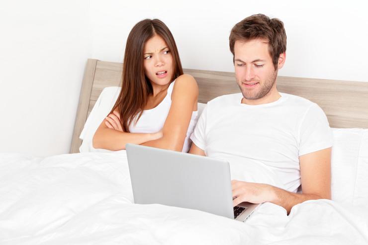 polne bolesti mladi krevet kompjuter