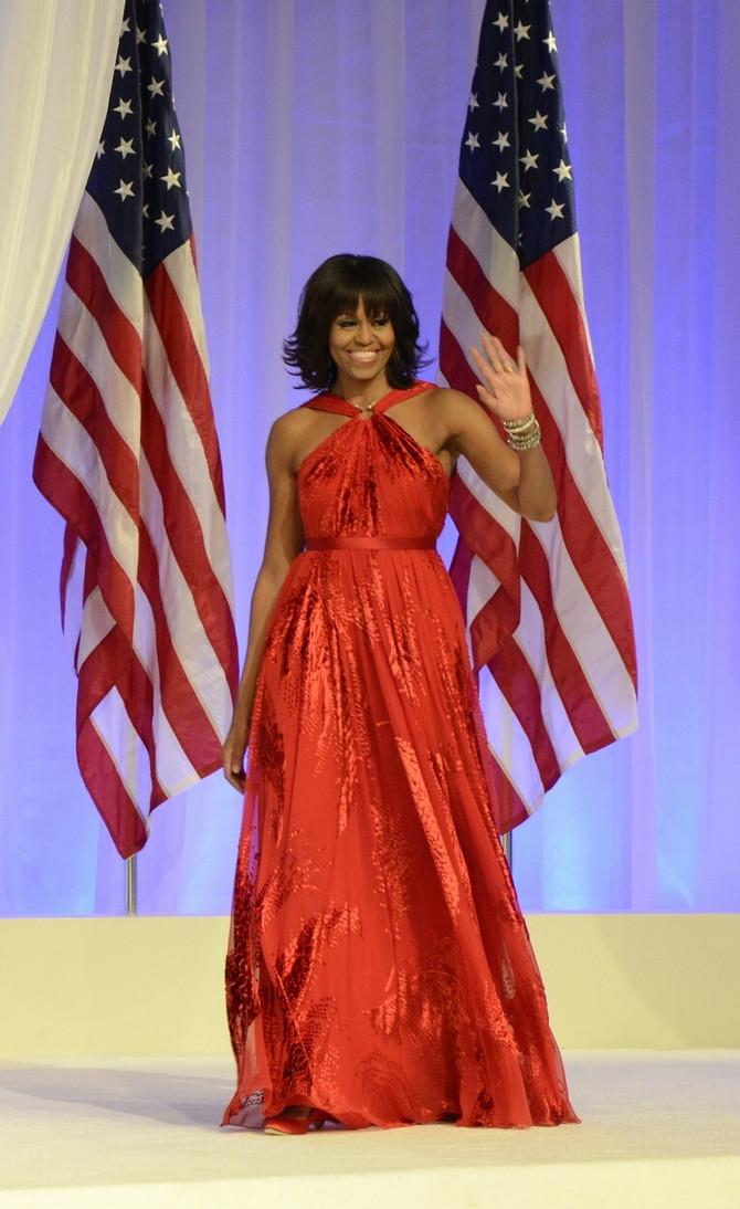 Mišel Obama u crvenom