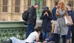 Žrtve krvare na ulici, muslimanka gleda telefon: Istina o fotografiji koja je ZAPALILA EVROPU