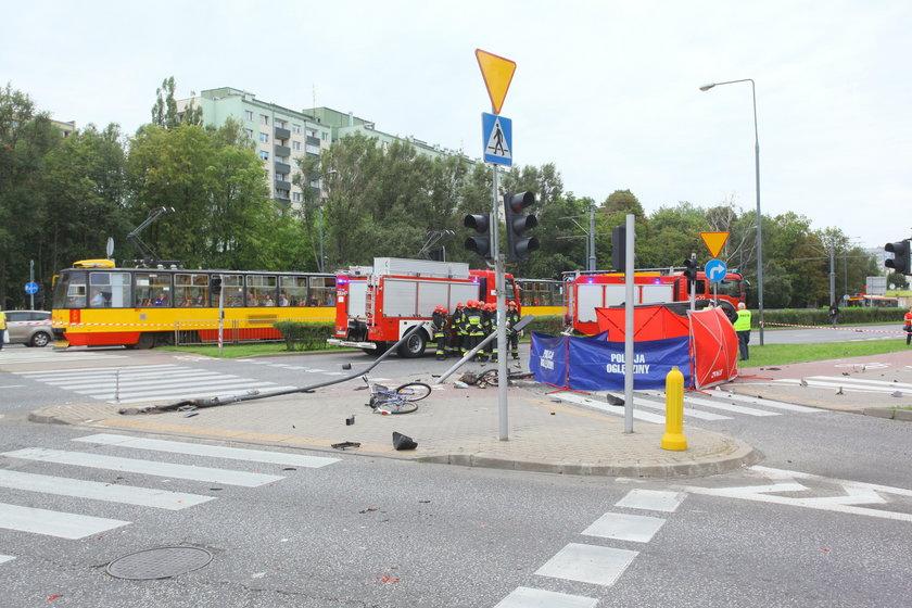 Kierowca potrącił rowerzystki na Bielanach