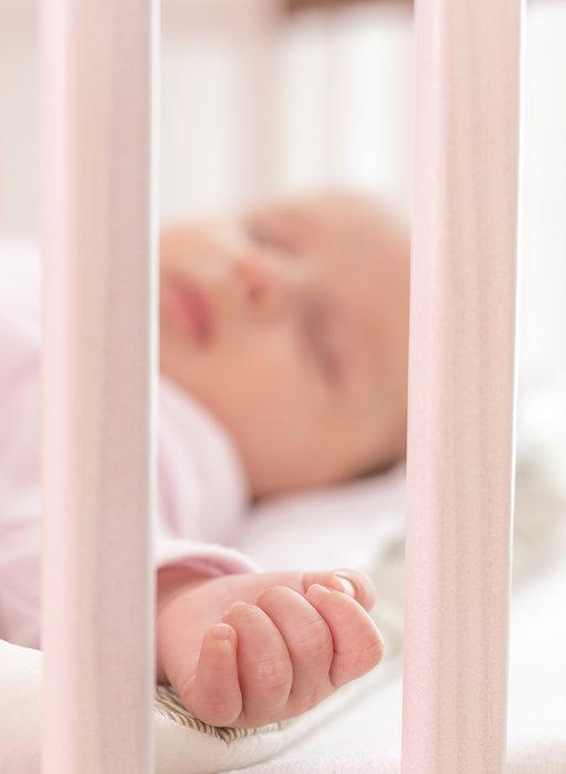 Pięć dni po narodzinach lekarze wykryli u noworodka zmutowaną wersję COVID-19.  To pierwszy taki przypadek na świecie!