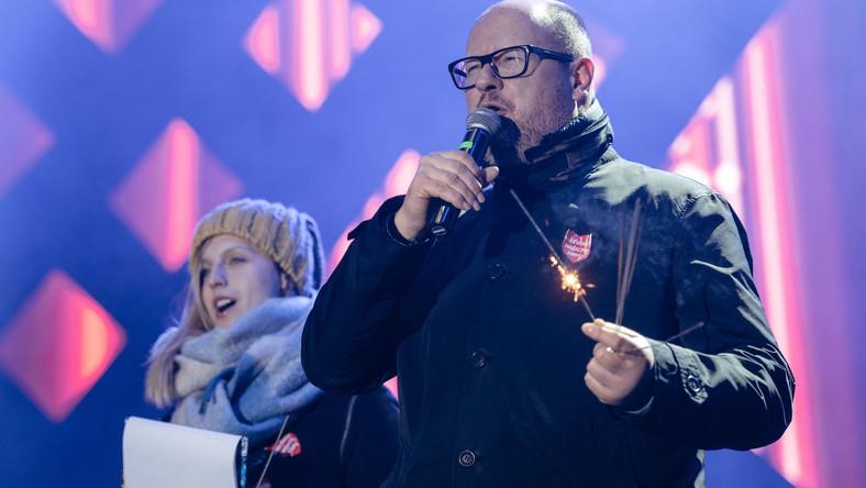 Prezydent Gdańska Paweł Adamowicz na chwile przed atakiem nożownika