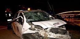Kraków: Auto ochroniarzy spadło z mostu! Jak na filmie!