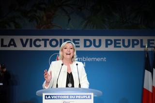 Francja: Partia Le Pen wyprzedza ugrupowanie Macrona [EXIT POLL]