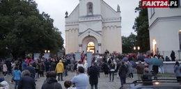Zakonnik z ranami jak u Jezusa w Polsce. Dziwne sceny w kościele