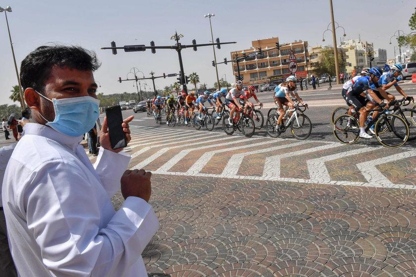 Z powodu koronawirusa przerwano wyścig kolarski