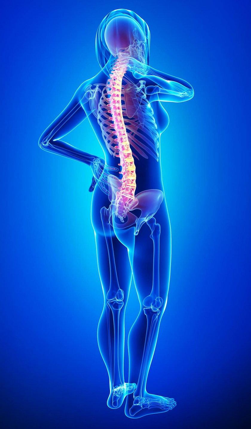 Nawet jeśli problem tkwi w szyi, bolesne punkty mogą pojawić się w okolicach łopatki.