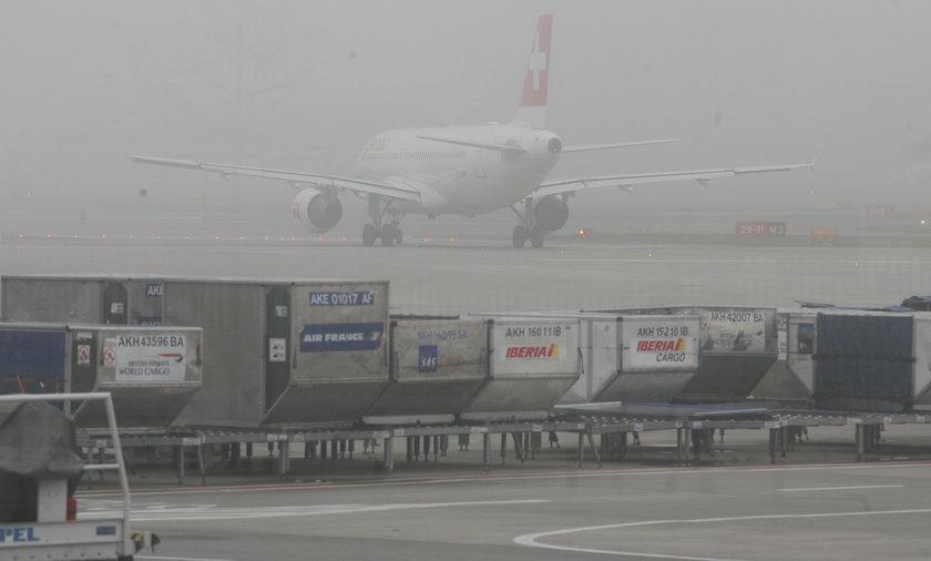 Mgła na lotnisku Okęcie