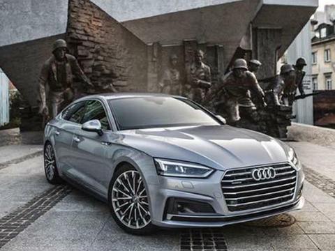 60962f0cf3e68 Jak w bezmyślny sposób można promować auta? Tak jak Audi. Limuzyna tej  marki została obfotografowana w świętym dla warszawiaków miejscu, czyli pod  Pomnikiem ...