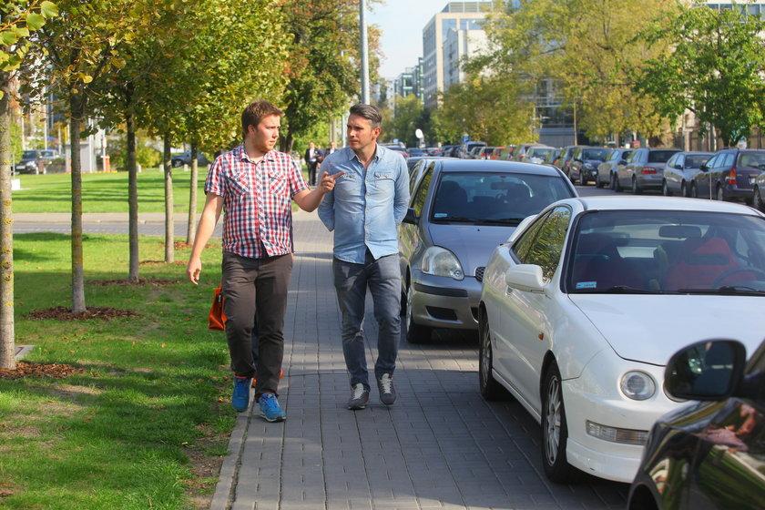 Łukasz Puchalski (37 l.) zawitał do redakcji Faktu. Dyrektor od dróg odpowiadał na pytania Czytelników