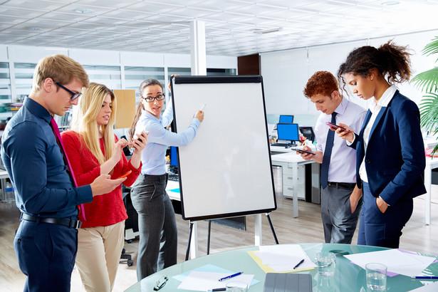 Zarząd ma dość ogólny pomysł i wolę przeprowadzenia zmian, ale nie potrafi precyzyjnie wskazać celów, które chce osiągnąć. To jedna z typowych barier w skutecznej zmianie modelu biznesowego