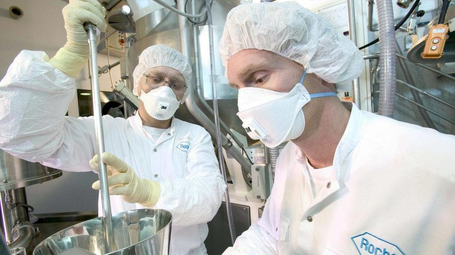 Laboratorium w fabryce leków