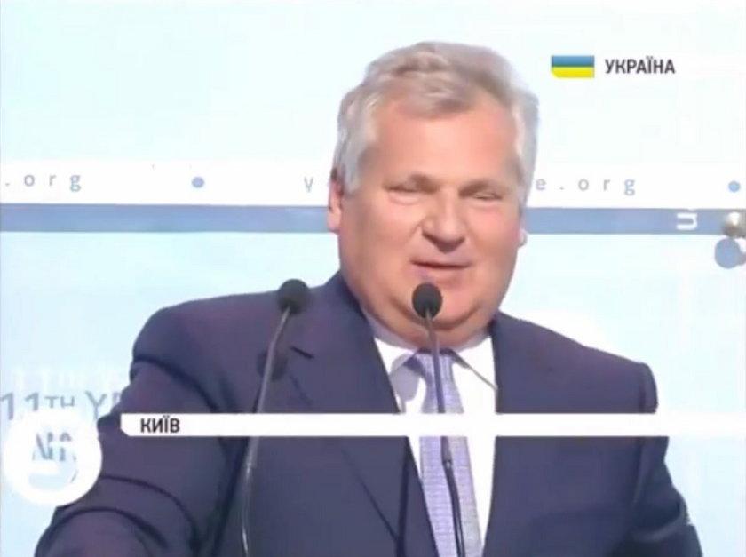 Dlaczego Kwaśniewski śpiewał hymn ZSRR?