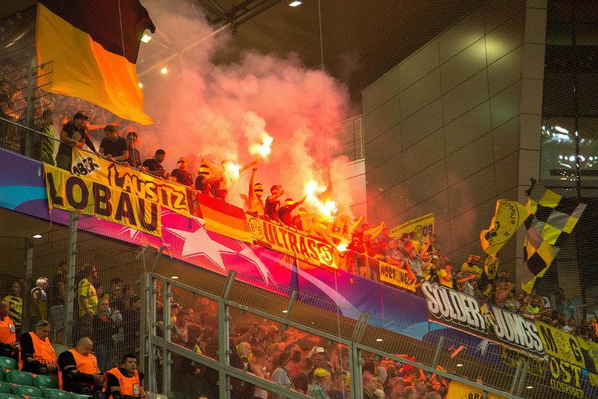Legia Warszawa straciła przez pseudokibiców 11,5 mln złotych w 3 lata!