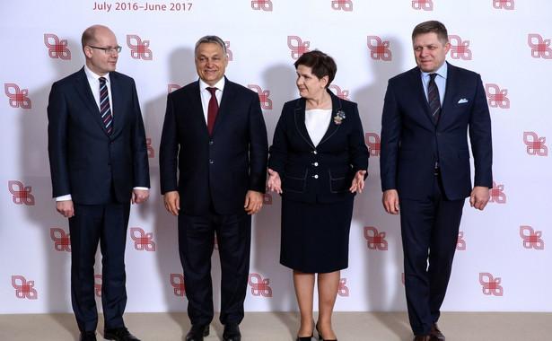 Premierzy państw Grupy Wyszehradzkiej Polski - Beata Szydło, Czech - Bohuslav Sobotka, Węgier - Viktor Orban i Słowacji - Robert Fico