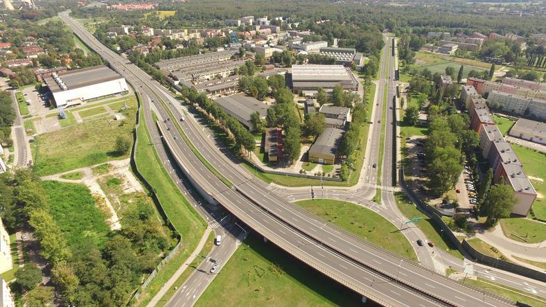 Ponad 41 milionów złotych dołożono z kasy miasta do budowy zabrzańskich odcinków Drogowej Trasy Średnicowej. Łączny koszt inwestycji przekroczył 700 milionów złotych
