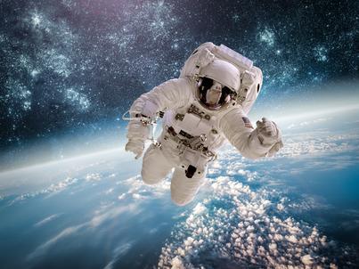 Program oferuje staże dla młodych naukowców i absolwentów studiów w firmach sektora kosmicznego