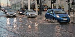 Woda zalała Trasę WZ. ZDiT kupi promy?