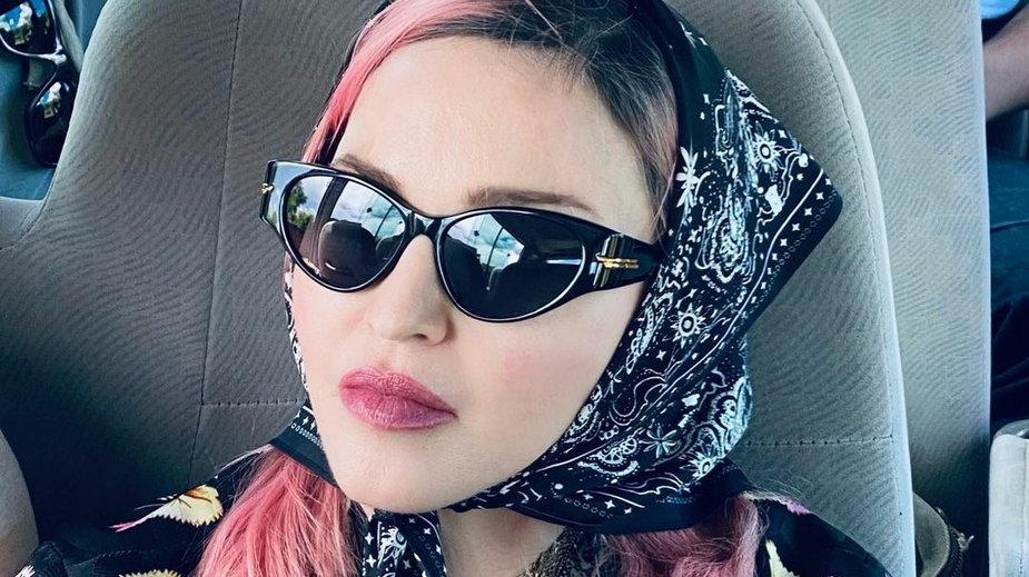 Madonna podróżuje po świecie