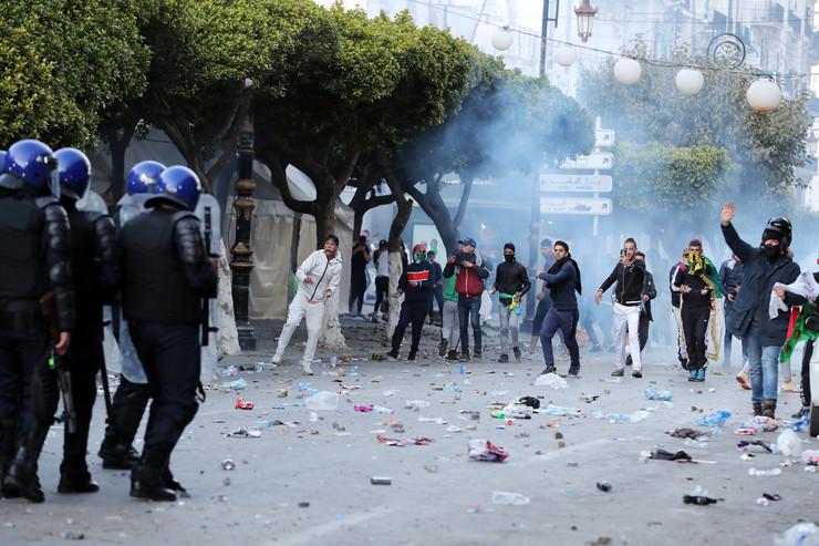Alžir protest EPA MOHAMED MESSARA