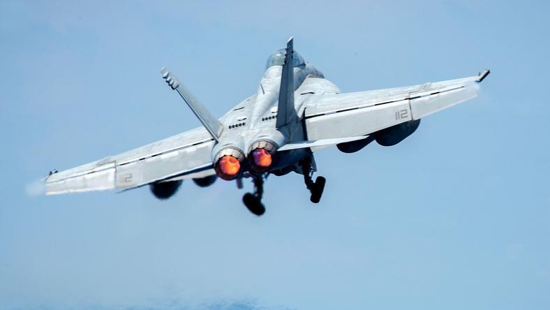 Zachodnia koalicja zestrzeliła syryjski Su-22 nad Rakką