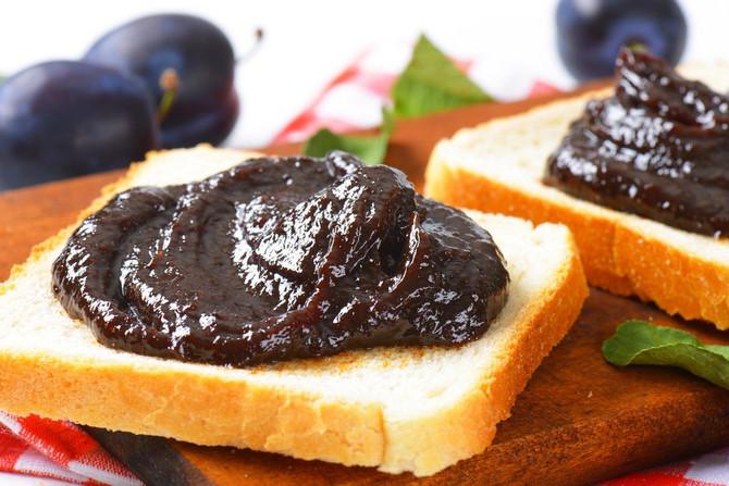 Doručak bogat šećerom, bez proteina i masti, može biti okidač za prejedanje tokom dana