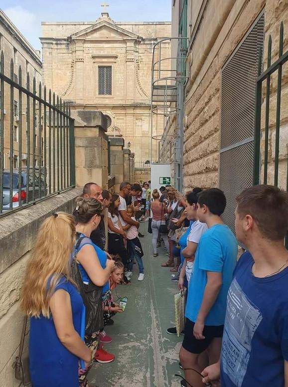 Malta:  Imigraciono odeljenje Srbi sa decom