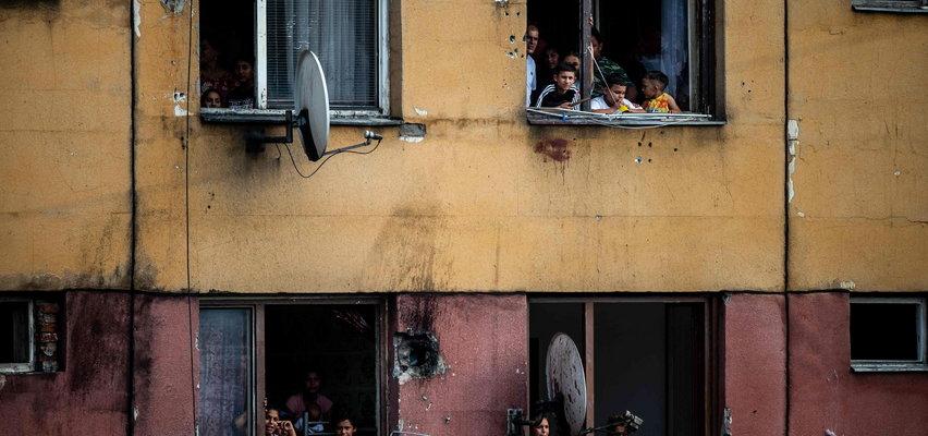 Papież odwiedził okryte złą sławą romskie osiedle na Słowacji. Ludzie żyją tu w urągających warunkach. Przygnębiające zdjęcia