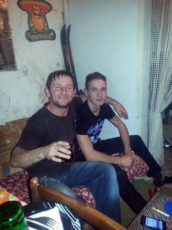 Ubijeni Srđan Marinković (levo) sa sinom Aleksandrom
