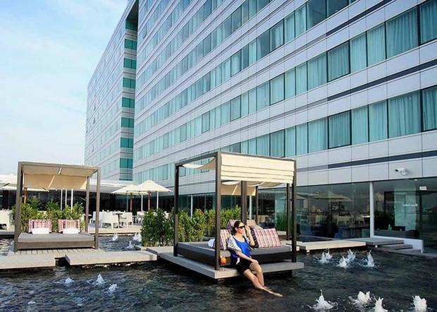 Centara Watergate Pavillion Hotel