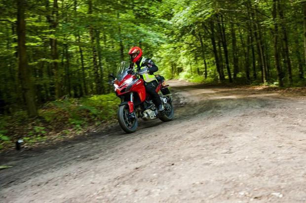 Ducati Multistrada 1200 w lekkim terenie