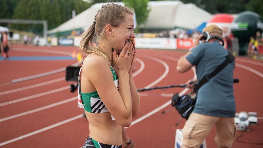Dominika Muraszewska-Baćmaga na w dorobku m.in. złoto mistrzostw kraju seniorów (2015 r.) w biegu rozstawnym kobiet 4×400 m.