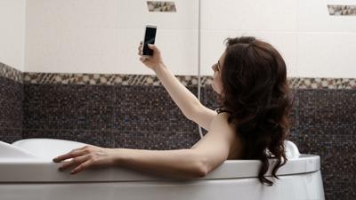 Podczas naprawy iPhone'a wyciekły nagie zdjęcia studentki. Teraz Apple zapłaci milionowe odszkodowanie