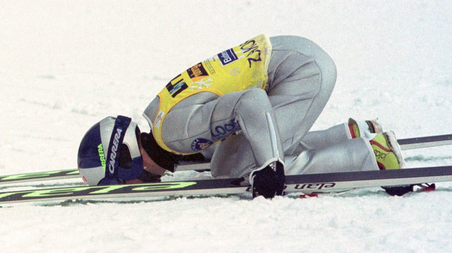 Adam Małysz po wygranej w Zakopanem w 2002 roku