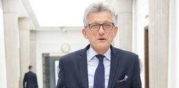 Piotrowicz żali się na dziennikarzy: napastują mnie